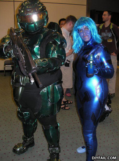 - It looks like a brute stole Master Chief's armor!